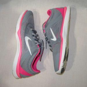 Nike in Season women TR 5 workout shoes sz 7.5